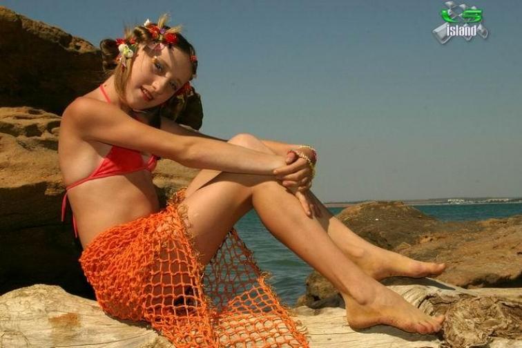 carlos H - 30/12/2011 23:24; Re: ** LS MODELS, LS MAGAZINE, LS ISLAND. issue ...
